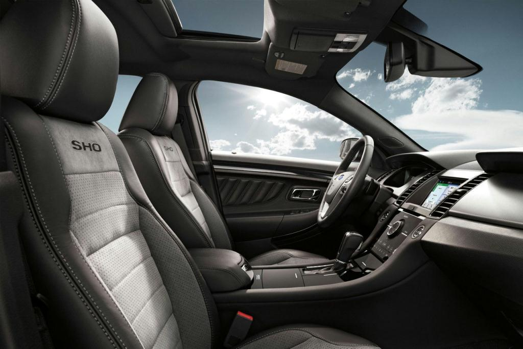 Ford Taurus SHO Charcoal Black Leather-Wrapped seats