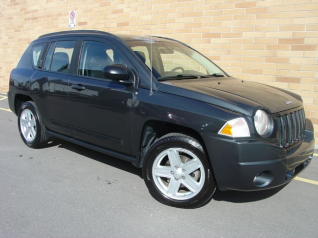 2010 Jeep Compass Sport. WOW!! Only 93000 Km! 5 Spd. Manual! SUV
