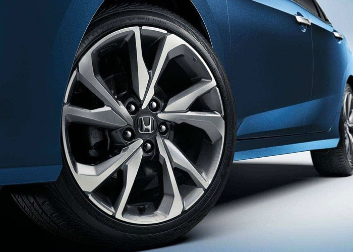 2020 Honda Civic Touring Wheels