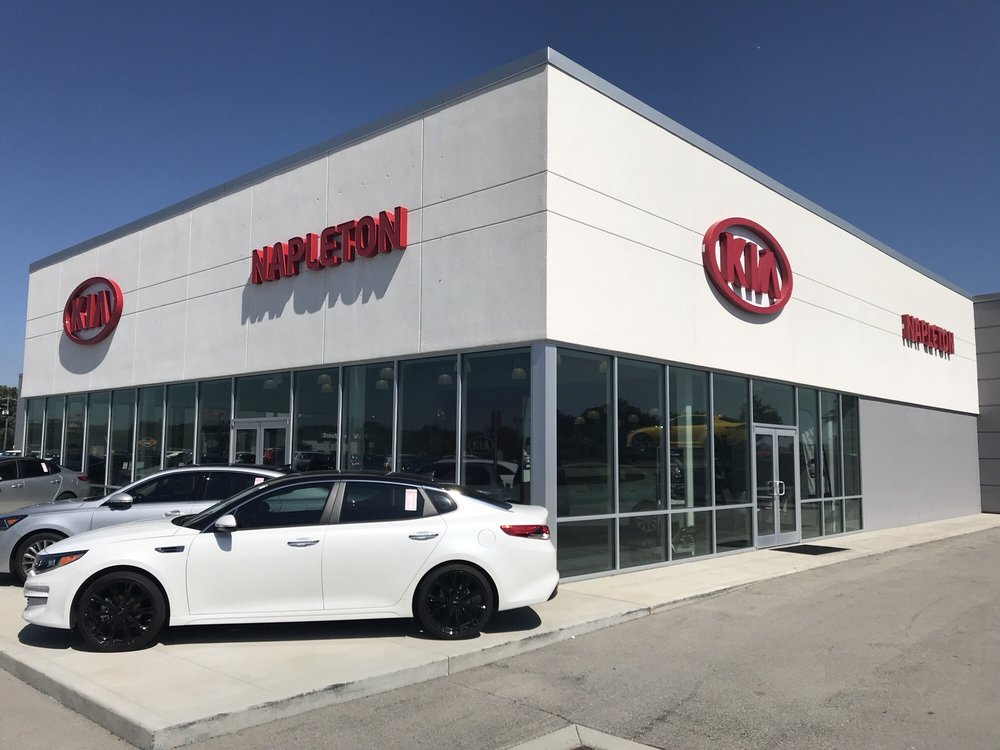 Napleton Kia of Fishers Dealership Exterior