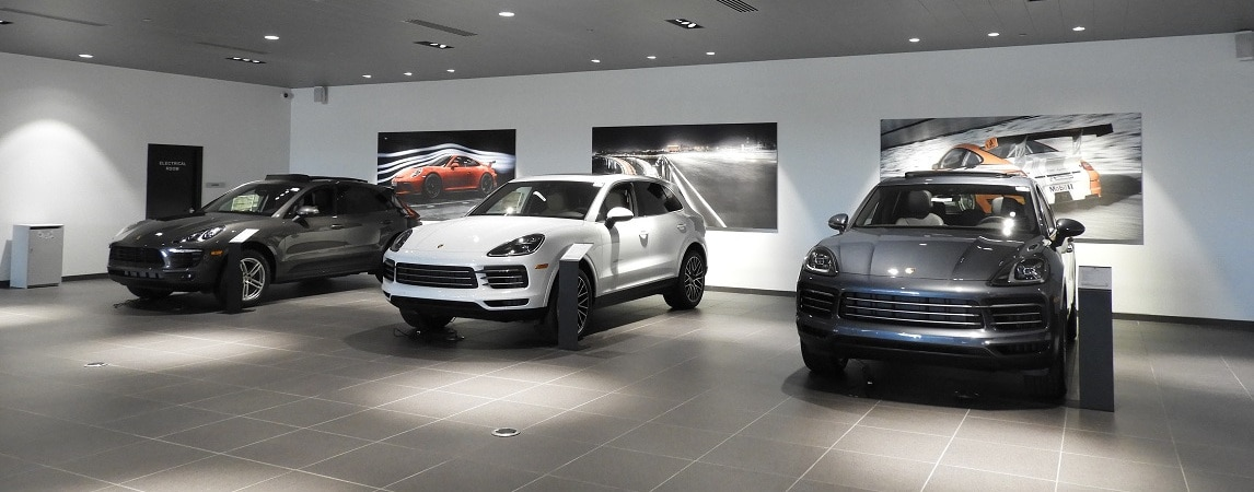 Napleton Westmont Porsche - SUV Showroom Display