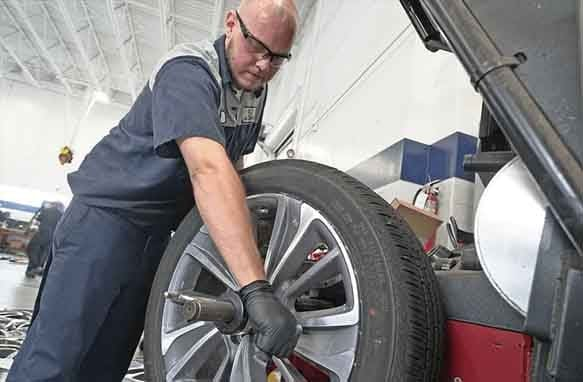chrysler-300-wheel-rotation-services