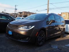 New 2019 Chrysler Pacifica LIMITED Passenger Van for sale in Chicago