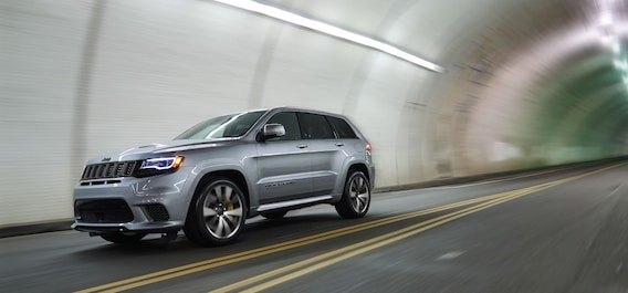 Jeep Grand Cherokee Srt Vs Trackhawk Comparison Review Which Is