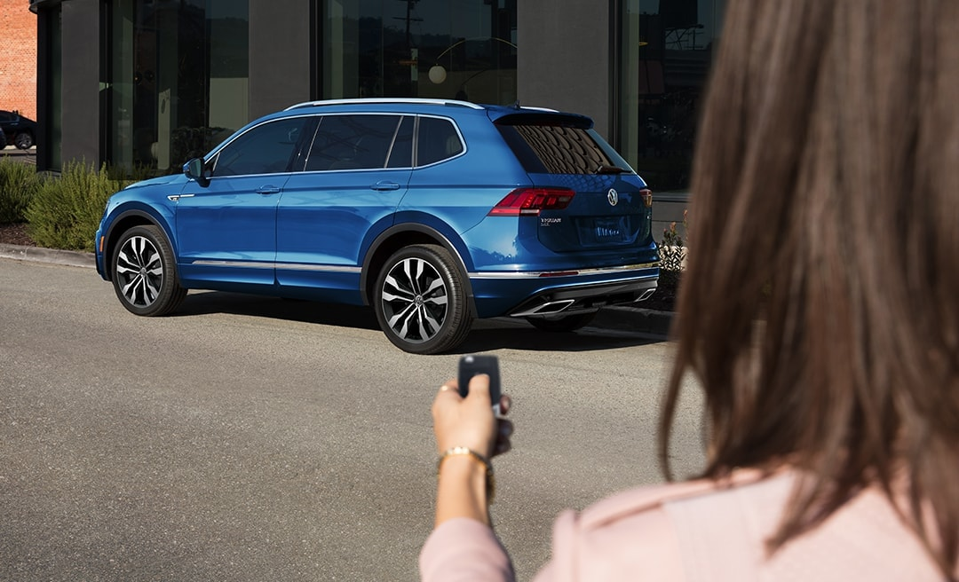 picture of Volkswagen Tiguan S with 4MOTION Trim Level