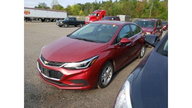 2017 Chevrolet Cruze LT Heated seats/Bluetooth Sedan