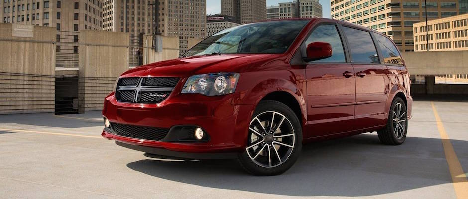 2019 Dodge Grand Caravan Se Vs Se Plus Vs Sxt Petersen Cdjr