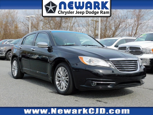 2011 Chrysler 200 Limited Sedan