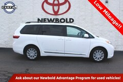 Certified Pre-Owned 2017 Toyota Sienna LE Van for sale in O'Fallon, IL