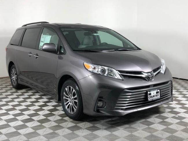 2019 Toyota Sienna XLE Van