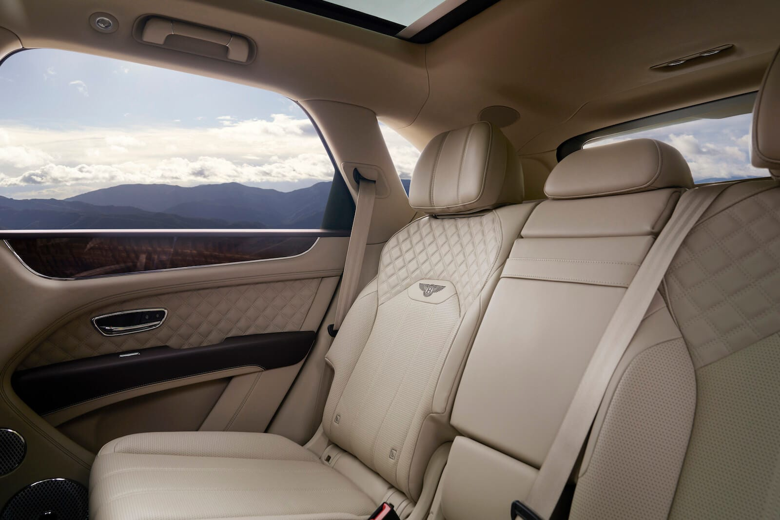 2021 Bentley Bentayga V8 rear seats