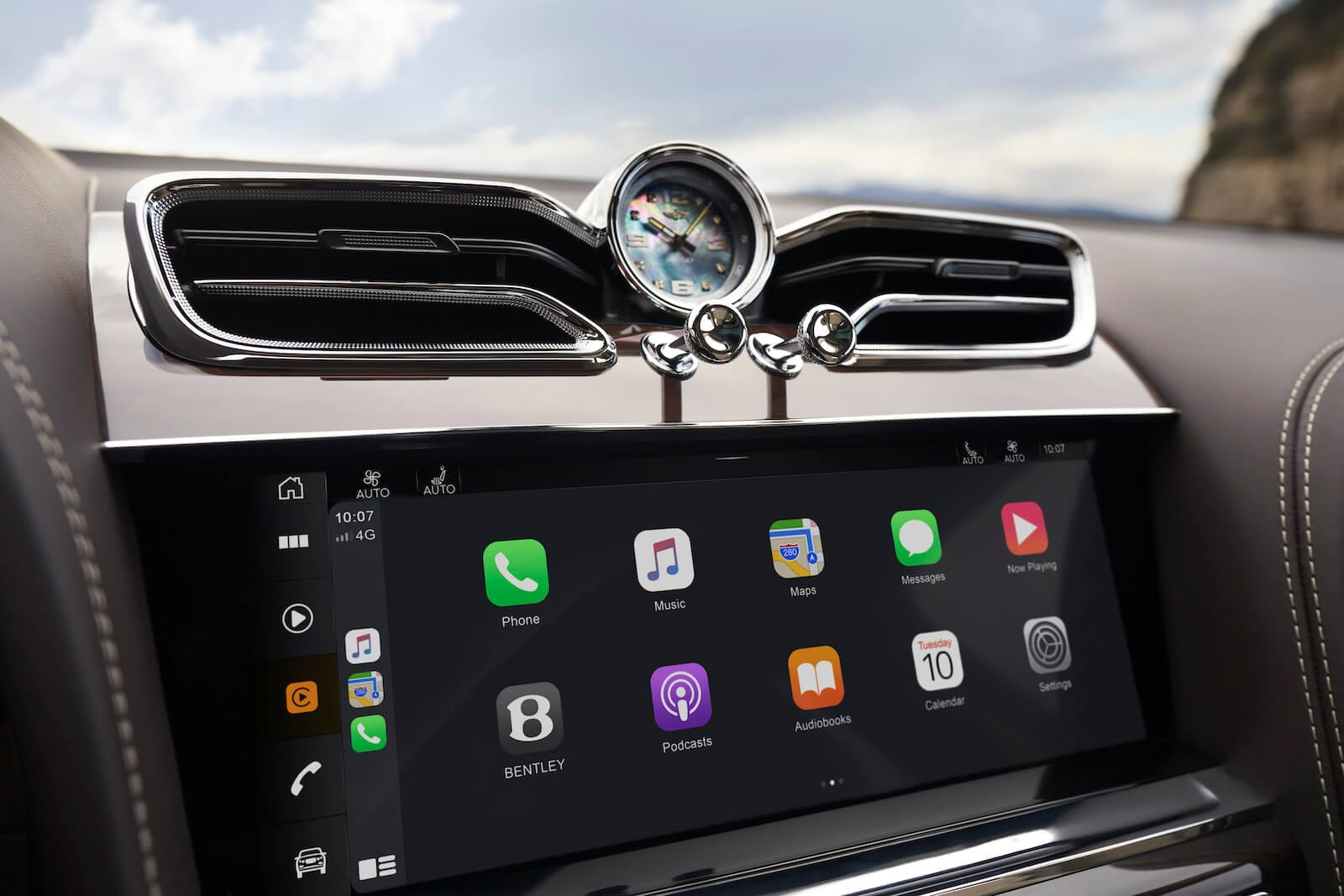Apple CarPlay and available Breitling clock in the 2021 Bentley Bentayga