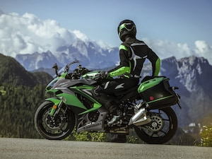 2019 KAWASAKI Ninja 1000 ABS WITH LOCKING SADDLEBAGS!