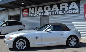 2004 BMW Z4 2.5i | POWER CONVERTIBLE TOP | LOADED SUMMER FUN!