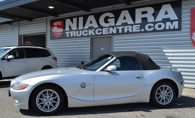 2004 BMW Z4 2.5i | POWER CONVERTIBLE TOP | LOADED SUMMER FUN! Cabriolet