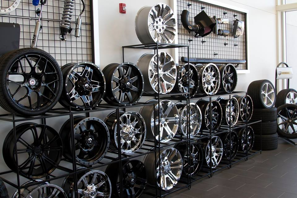 Custom Truck Rims & Tires
