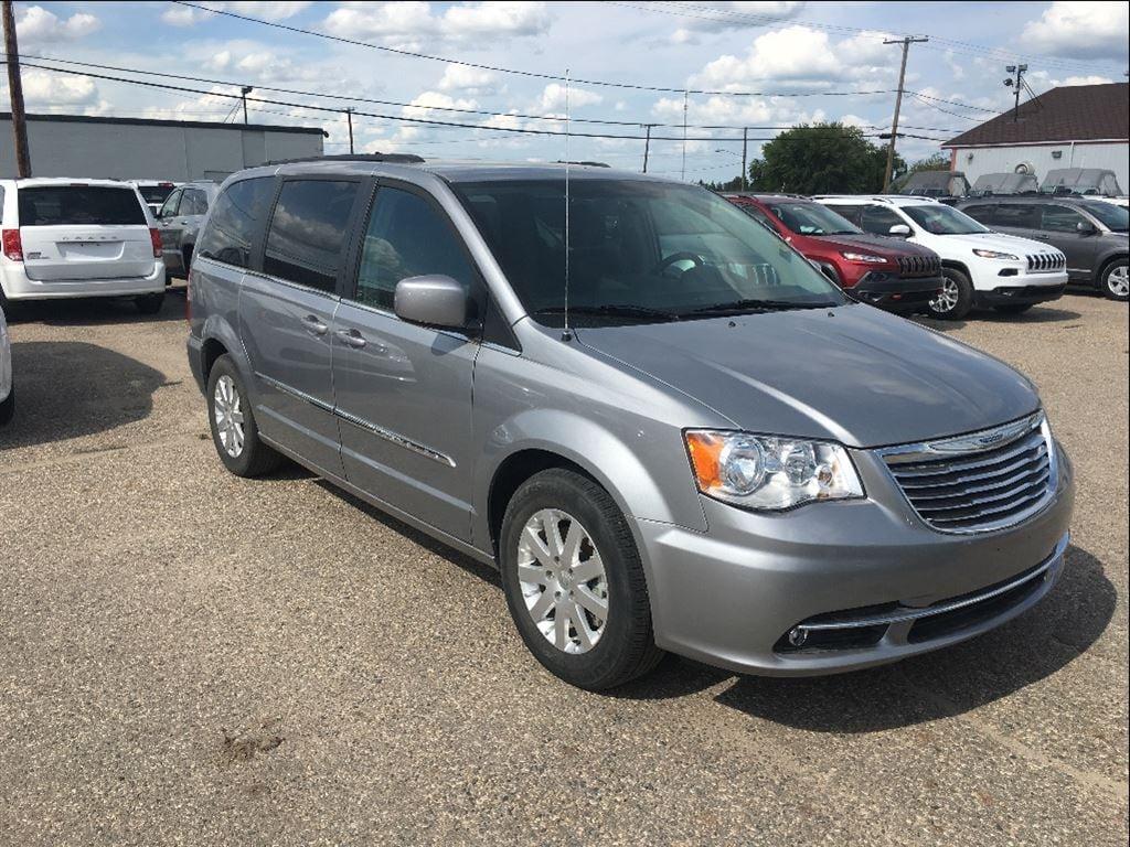 2015 Chrysler Town & Country Touring Minivan
