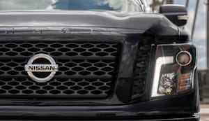 Body color grille with dark insert