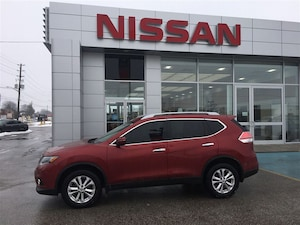 2015 Nissan Rogue SV - All-Wheel Drive!