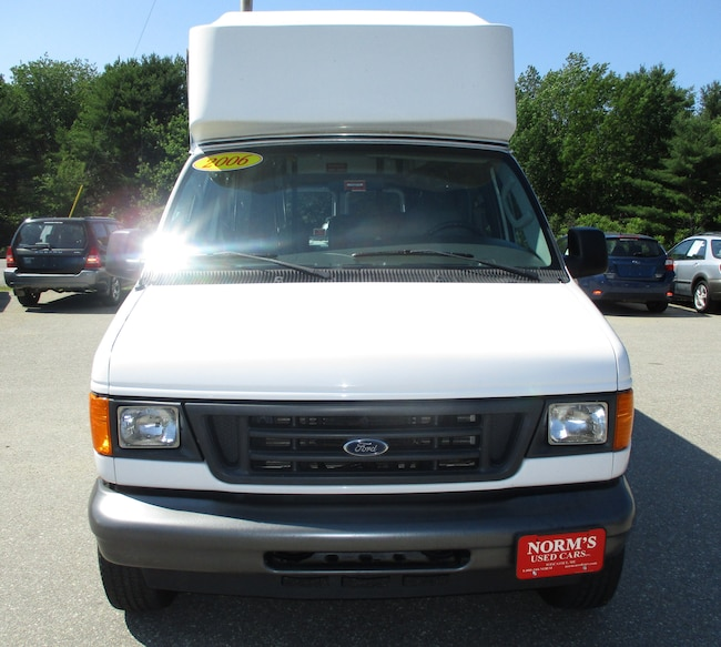 2006 Ford E-350 Super Duty Commercial Extended Passenger Van