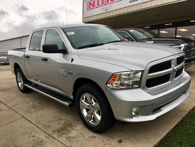 New 2019 Ram 1500 CLASSIC EXPRESS CREW CAB 4X4 5'7 BOX Crew Cab for sale in Gallipolis, OH