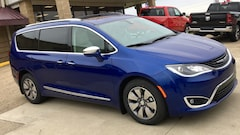New 2019 Chrysler Pacifica Hybrid LIMITED Passenger Van for sale in Gallipolis, OH