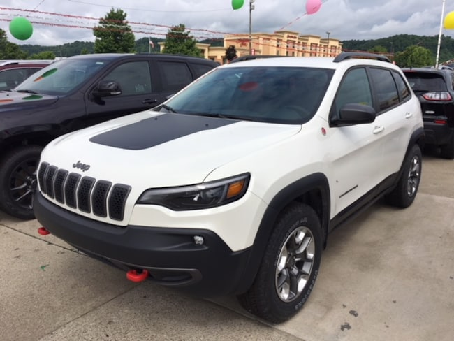 New 2019 Jeep Cherokee TRAILHAWK 4X4 Sport Utility for sale in Gallipolis, OH