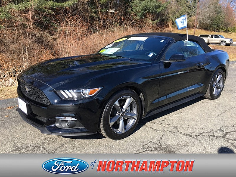 2017 Ford Mustang V6 Sporty Car