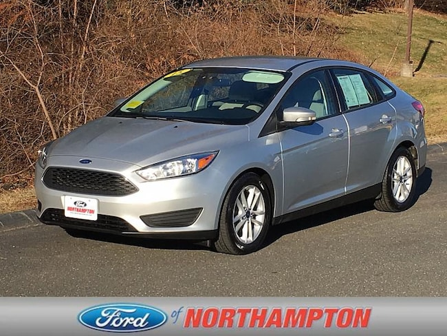 2015 Ford Focus SE Compact Car