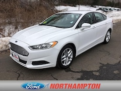 2015 Ford Fusion SE Mid-Size Car