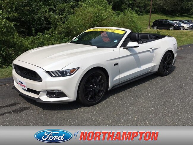 2017 Ford Mustang GT Premium Sporty Car