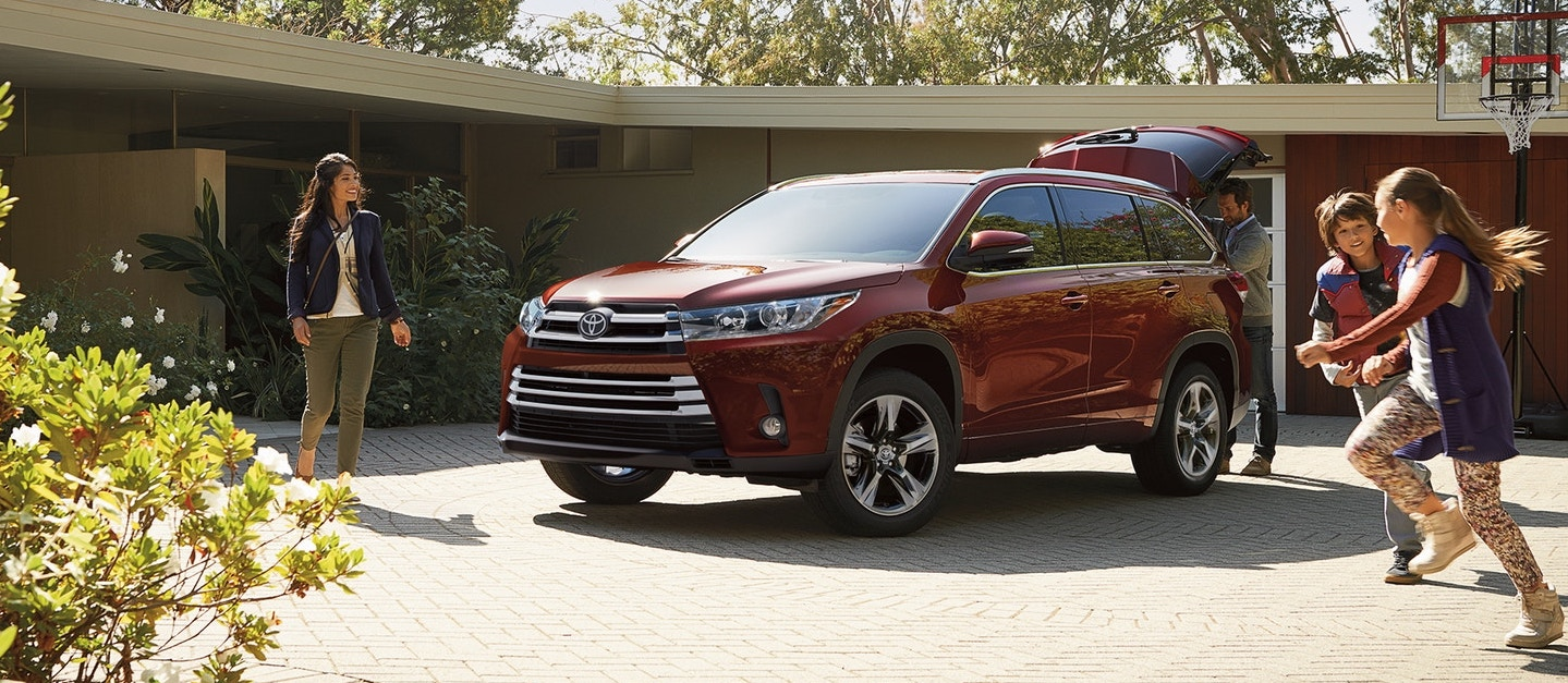 2018 Toyota Highlander Trim Levels in Northbrook, IL
