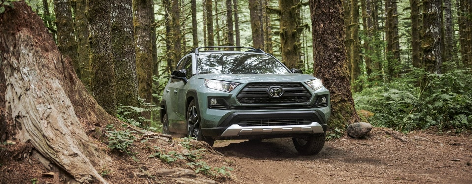 2019 Toyota RAV4: Featured Packages near Wheeling, IL | Northbrook