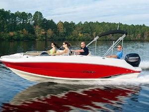 2018 STINGRAY BOAT CO 192SC DECK BOAT C$ ALL-IN PRICE