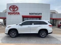 New 2019 Toyota Highlander XLE V6 SUV in Enid, OK