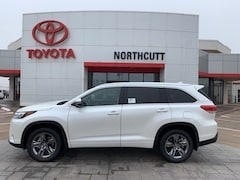 New 2019 Toyota Highlander Limited Platinum V6 SUV in Enid, OK