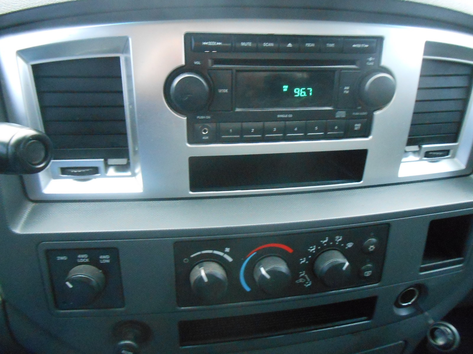 2007 dodge ram radio time set