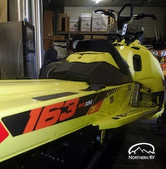 2015 SKI-DOO SUMMIT X -