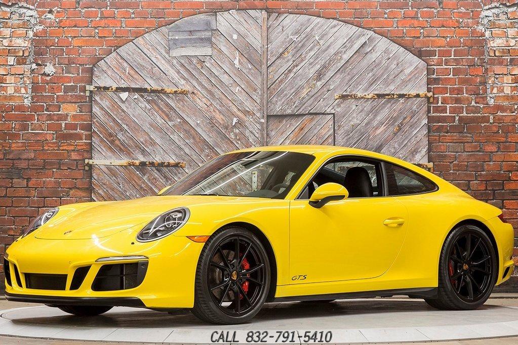 2017 Porsche 911 Carrera GTS Coupe