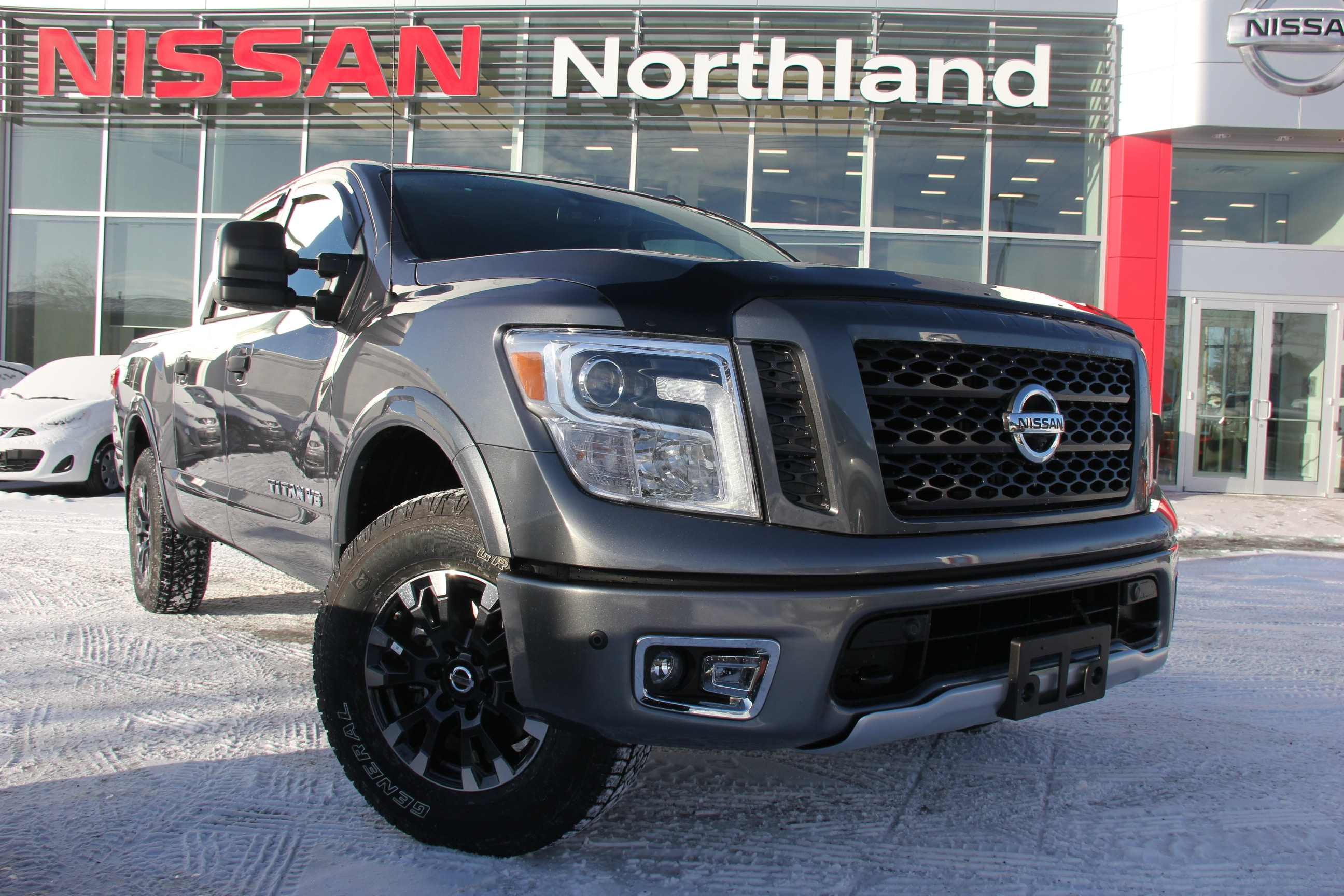2018 Nissan Titan PRO 4X Comes With Winter Tires Crew Cab Pickup