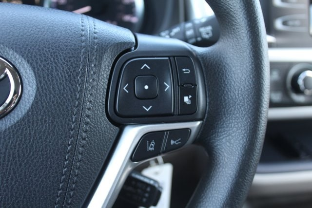 New 2019 Toyota Highlander LE V6 For Sale in Houston TX