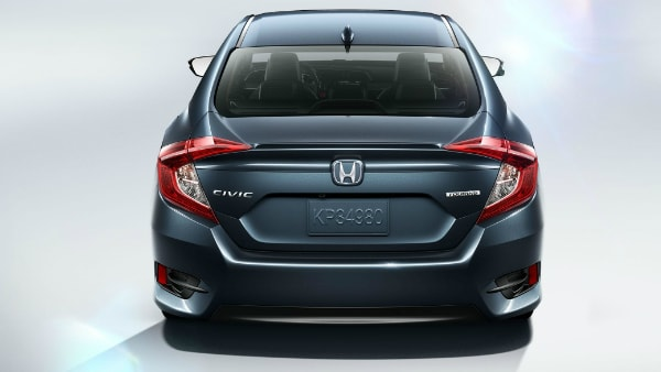 2018 Honda Civic C-shaped tail lights