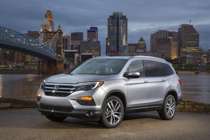 2017 Honda Pilot available near Port Washington