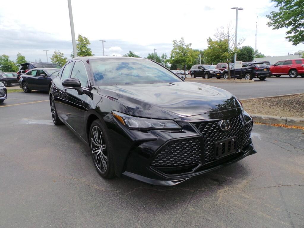 2019 Toyota Avalon XSE Sedan  Sedan