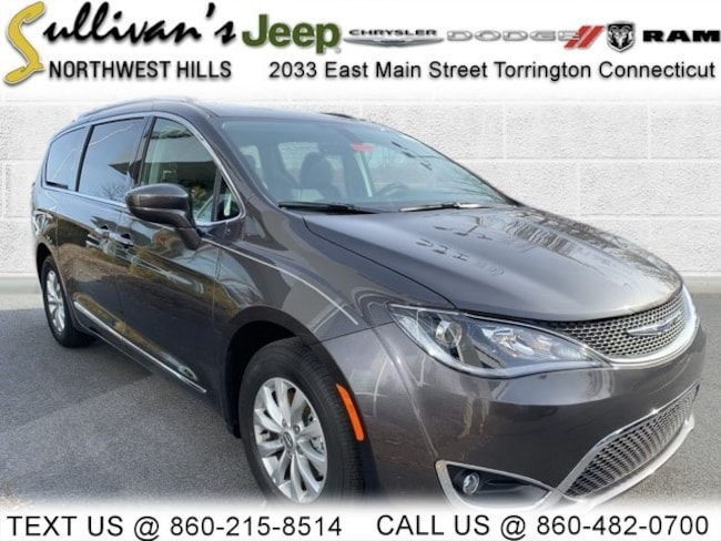 DYNAMIC_PREF_LABEL_AUTO_NEW_DETAILS_INVENTORY_DETAIL1_ALTATTRIBUTEBEFORE 2019 Chrysler Pacifica TOURING L Passenger Van for sale in Torrington CT