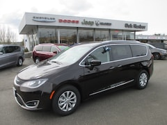 2018 Chrysler Pacifica TOURING L Inc: $500 Military Rebate Passenger Van