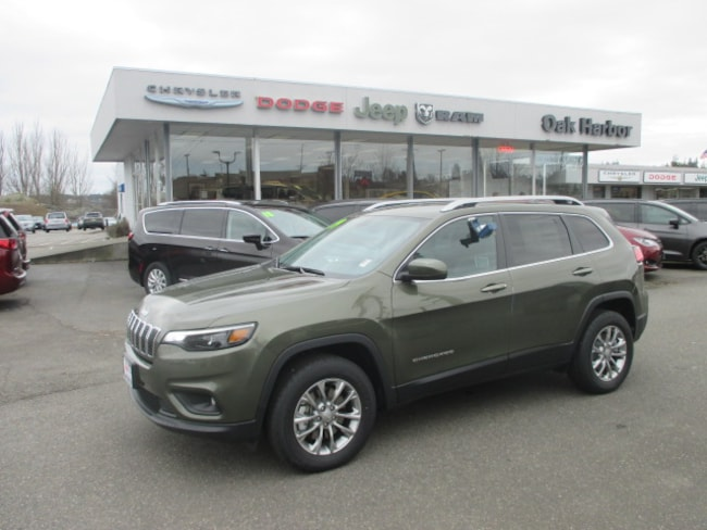 New 2019 Jeep Cherokee LATITUDE PLUS 4X4 Inc: $500 Military Rebate Sport Utility in Oak Harbor