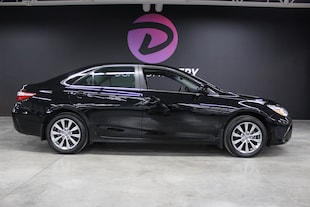 2015 Toyota Camry XLE cuir toit ouvrant navigation ! Berline