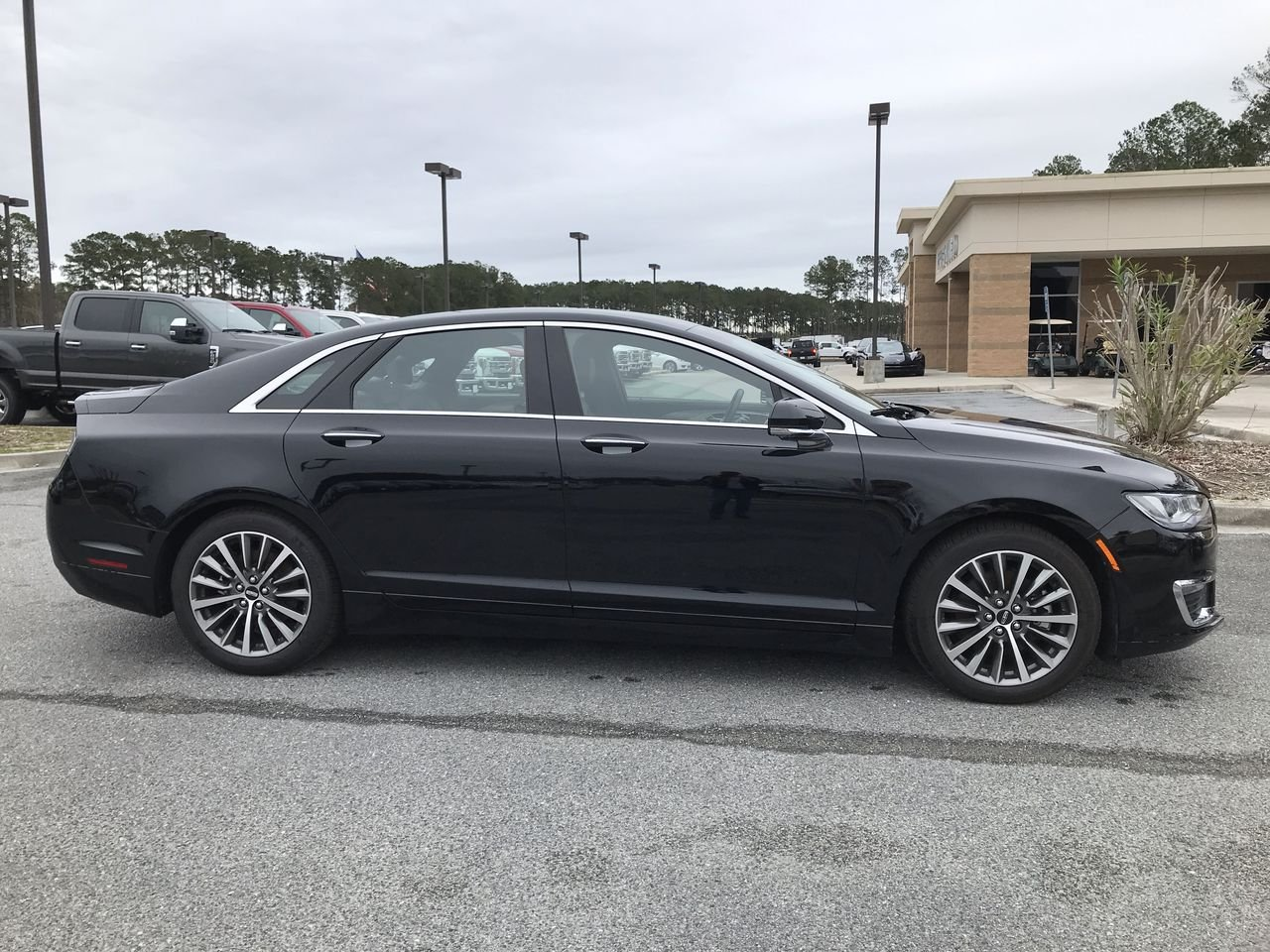 Featured used 2018 Lincoln MKZ Premiere SEDAN for sale in Hardeeville, SC