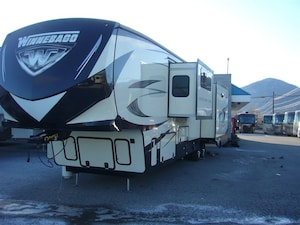 2016 WINNEBAGO Destination 39FB -